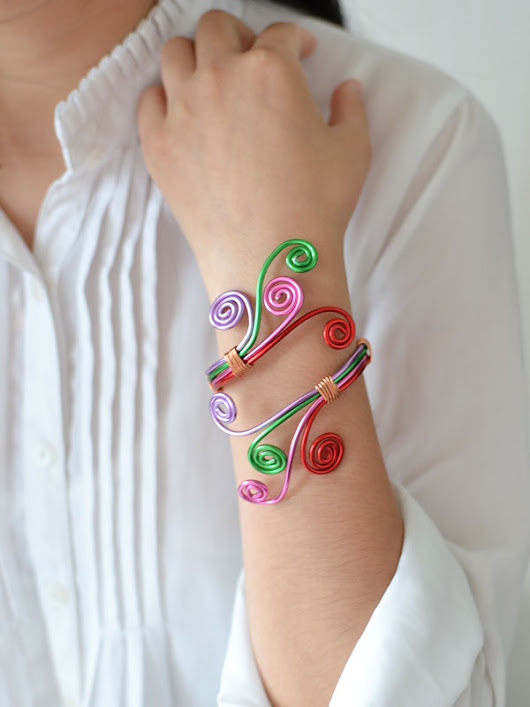 Wire-Wrapped Bangle Bracelet | Fun Family Crafts