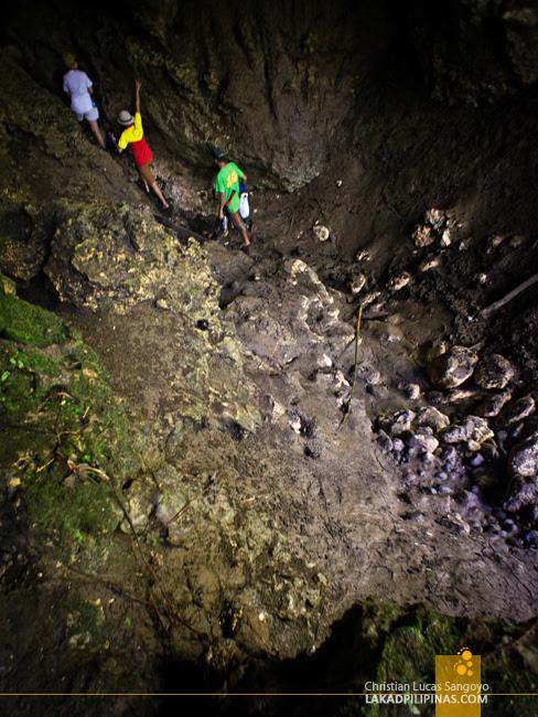 Entering Dumalag's Lahab Cave