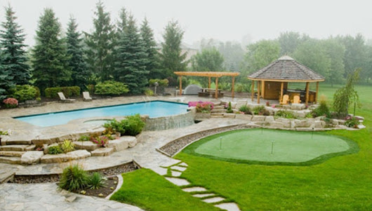 How To Landscape around The Bottom Of An Aboveground Swimming Pool