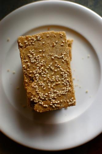 quinoa sesame crackers