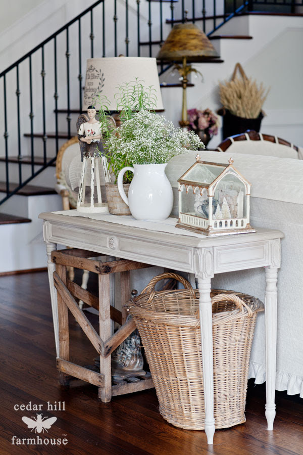 Wisteria-swedish-table