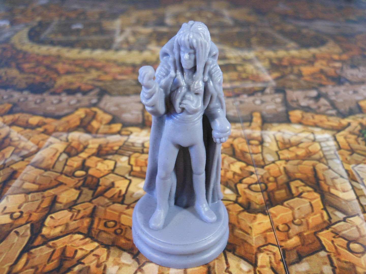 Jareth the Goblin King seeks to stop Sarah in Jim Henson's Labyrinth: The Board Game.
