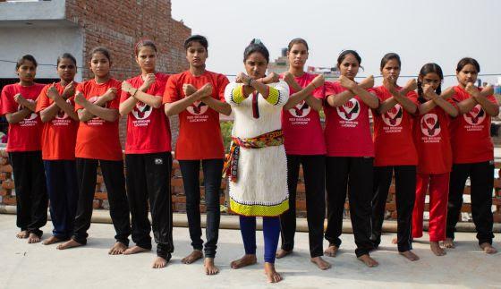 Las Brigadas Rojas de Lucknow, un grupo de adolescentes víctimas de abusos sexuales
