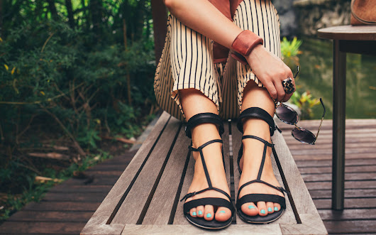 The Best Sandals for Your Feet, According to Podiatrists
