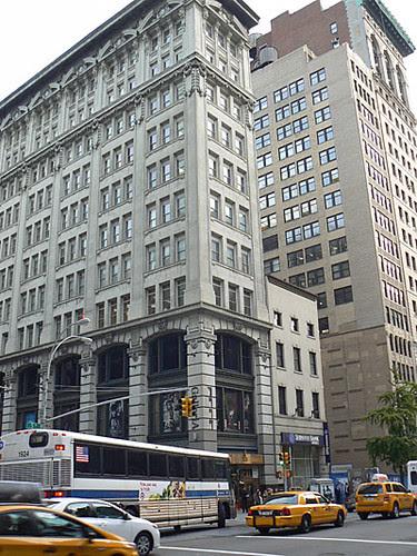 bel immeuble, 5th Avenue.jpg