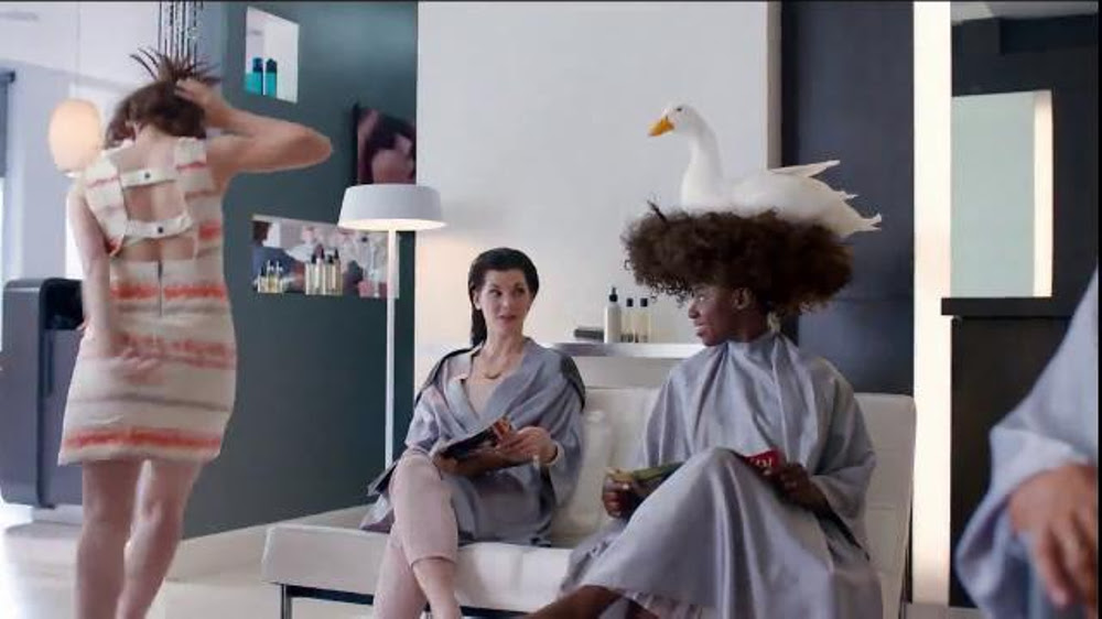 Aflac TV Spot, 'Duck Salon' - Screenshot 7