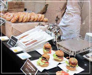 「BON ! BON ! PARC MARCHÉ」、タテルヨシノのミニハンバーガー、美味しそう……♪