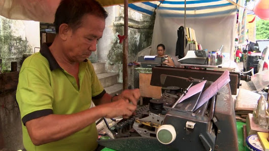 The slow death of Myanmar's typewriter industry - BBC News