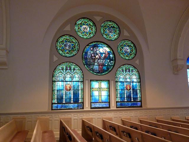 P1000540-2011-09-25-APC-Sacred-Spaces-Tour-North-Avenue-Presbyterian-Church-Big-North-Window