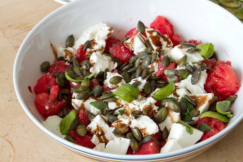 Feta and watermelon salad / Feta-arbuusisalat röstitud kõrvitsaseemnetega