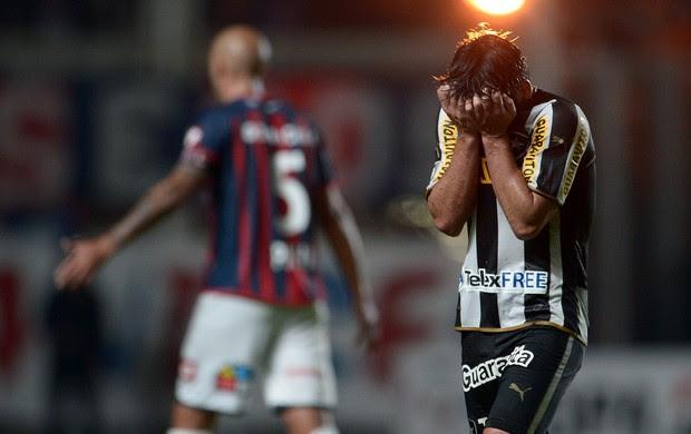 San Lorenzo x Botafogo (Foto: Juani Roncoroni/Agência Estado)