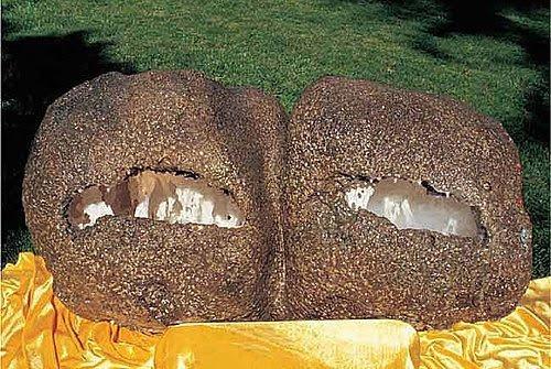 義雲高大師 (H.H.第三世多杰羌佛)作品-「神秘石中霧」