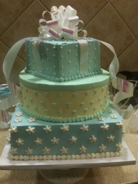 Safeway Wedding Cake   A safe way to retain elegance