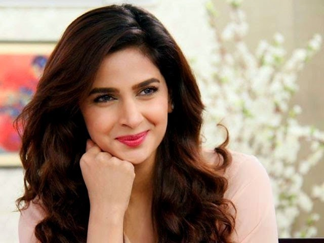 Saba Qamar's interesting reaction to the viral video of the woman's style of conversation