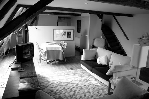 Downstairs lounge in BnB bw