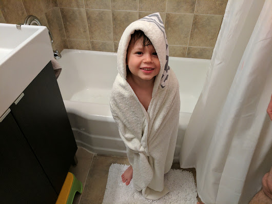 E-Cloth's Luxury Hooded Towel: The Best Towel for Toddlers? ⋆ Metro Mom Club