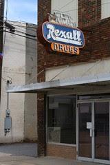 closed rexall drugs in grand saline