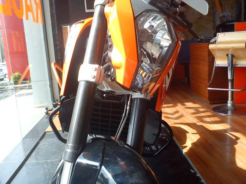 KTM Duke 200