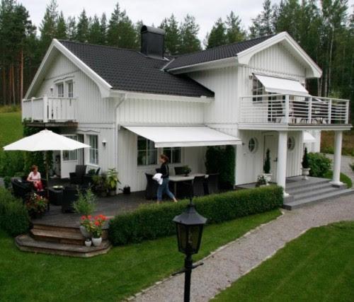 Rumah minimalis 2 lantai bergaya Country Eropa (Naturallivingmag)