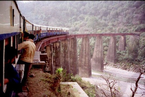 Kangra_valley_railway-3