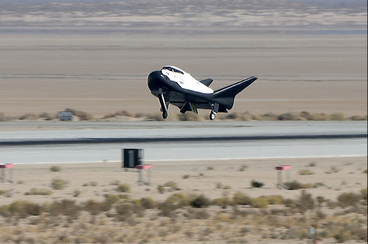Dream Chaser space plane glides to Earth on flight test steeped in history | collectSPACE