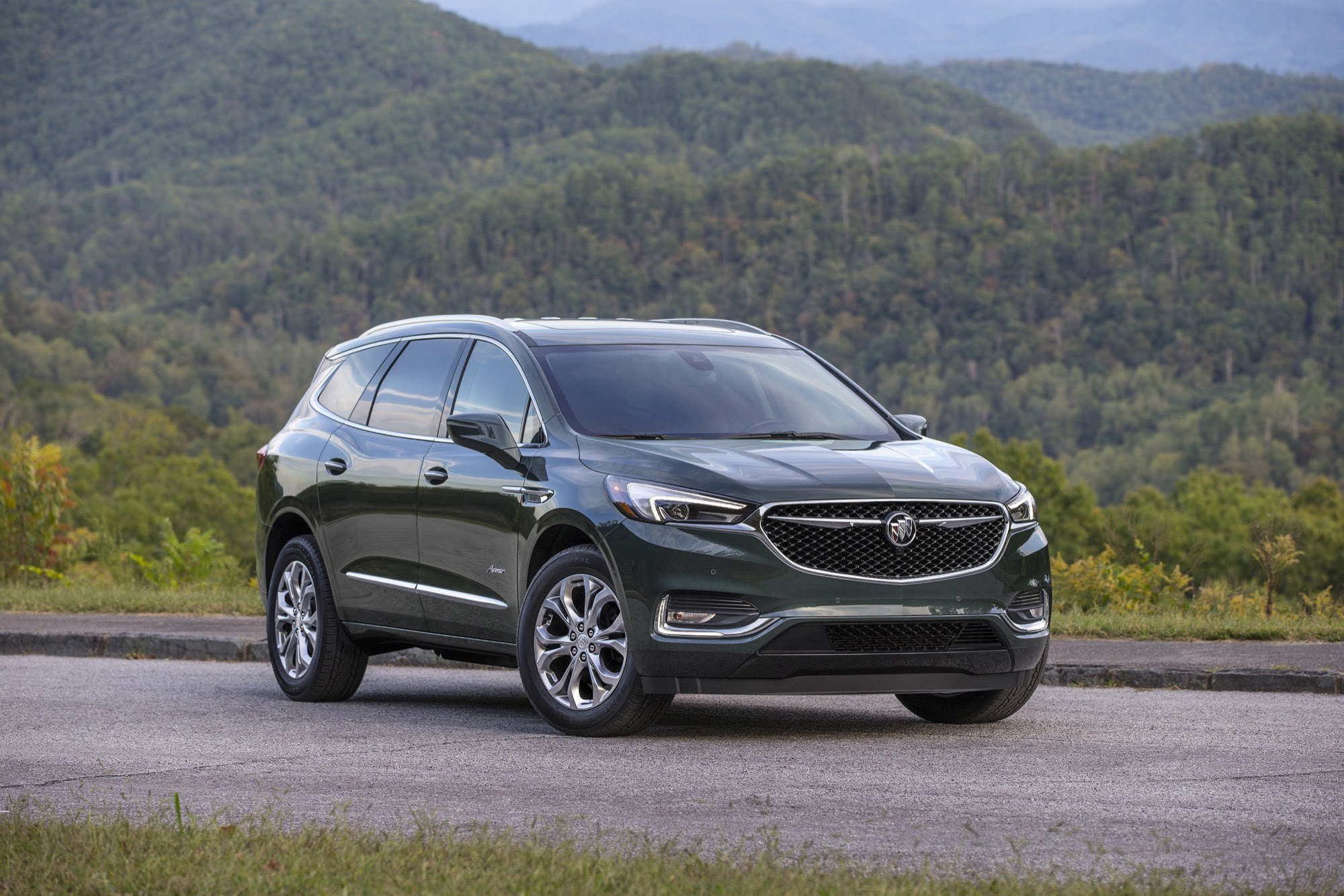 2019 buick enclave pictures photos images gallery  gm