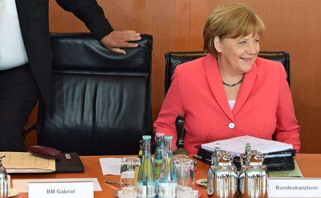 Support for German Chancellor Merkel's Party Falls Over Refugee Influx