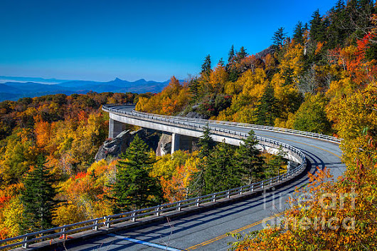 Linn Cove Viaduct by Matthew Trudeau
