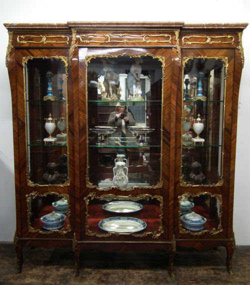 Exhibition Quality Marble Top French Vitrine - Antiques Atlas