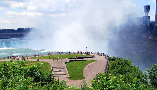 Looking down at the observation area overlooking Horseshoe Falls