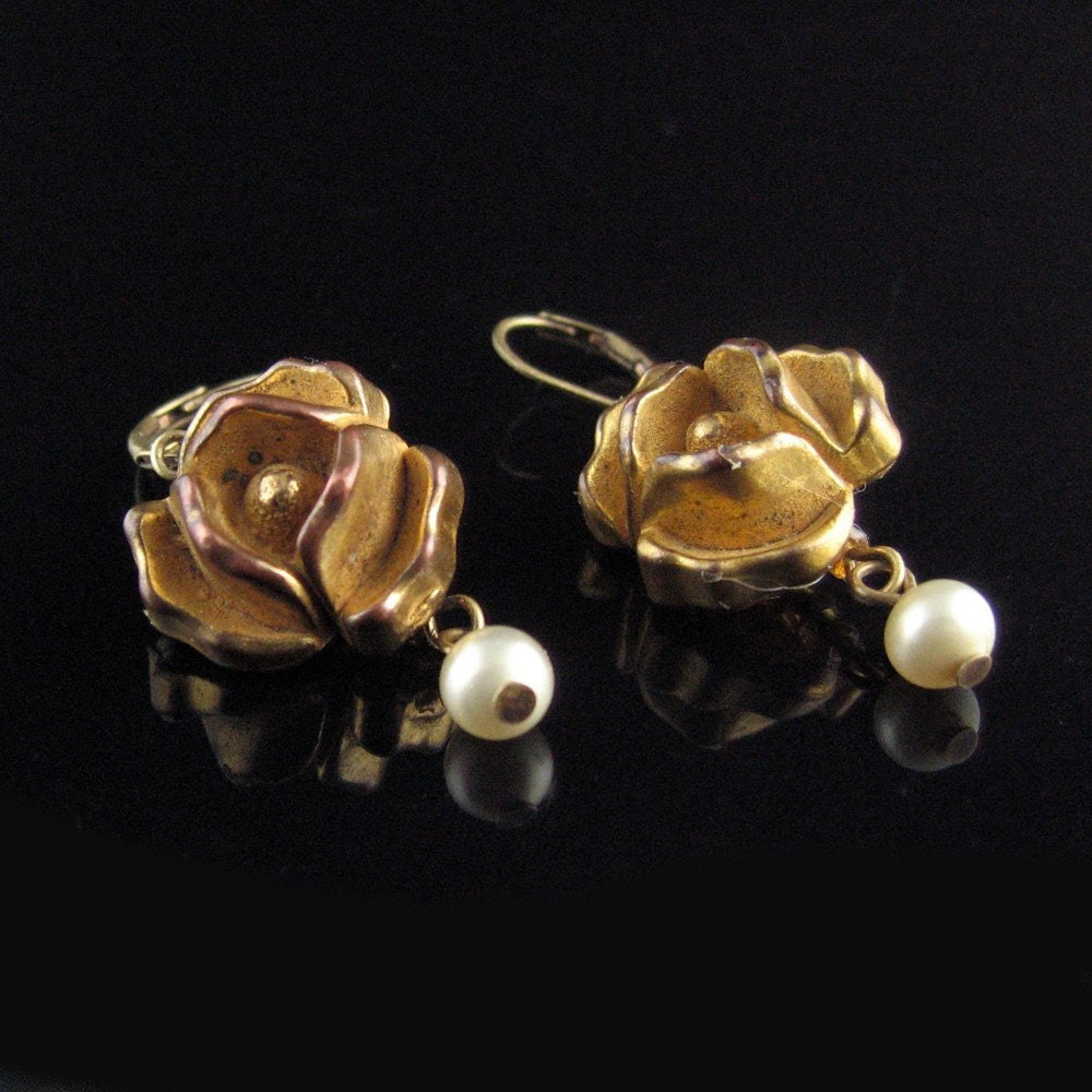 wiredvintage Vintage carved rose button earrings