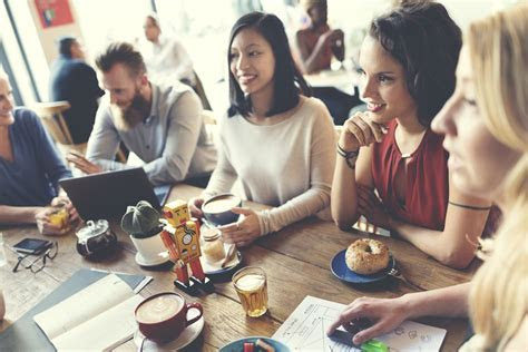 How to Hold Engaging, Useful Meetings Each & Every Week