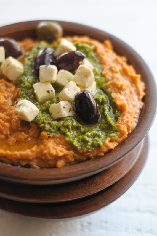 The Simplest EVER Red Pepper and Pesto Hummus | Heather's Dish