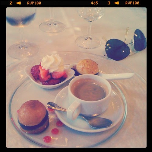 Café gourmands by Jean-Fabien - photo & life™