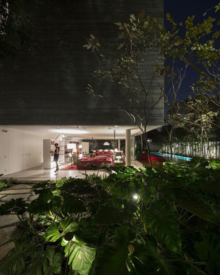 Concrete house in Sao Paulo by Studio MK27