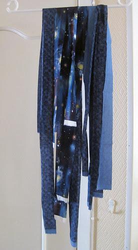 blue binding :: blå lukkekant
