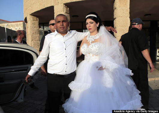 Wedding Of Jew, Muslim Draws Hundreds Of Protesters