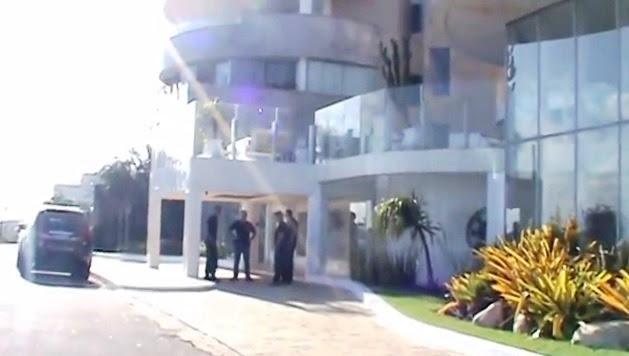 Agentes federais no prédio do dono da Dimensão Engenharia