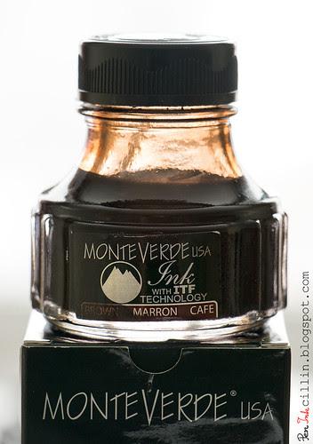 Monteverde Brown bottle on box