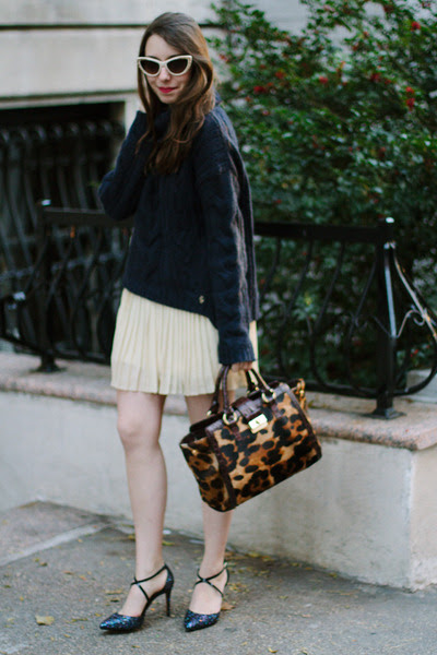 Navy-turtleneck-knit-juicy-couture-sweater-brown-leopard-print-brahmin-bag