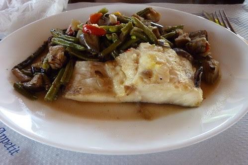 Bacalao con verduras salteadas