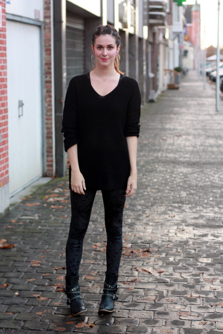 All Black and a Twisty Ponytail