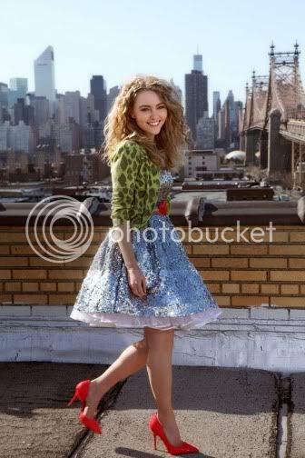 Anna Sophia Robb Fashion Style as Carrie Bradshaw