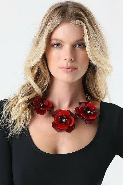 Bebe Resin Flower Necklace