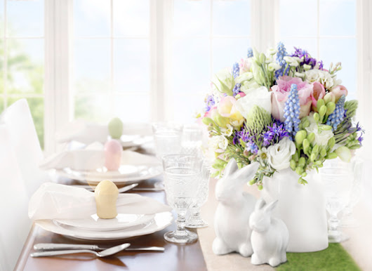 Impress at your Easter breakfast: Easter cupcakes and delicious decor