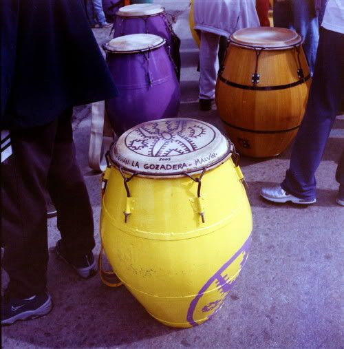Middle size drum, called piano