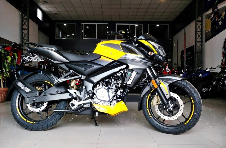 Moto Bajaj Pulsar Rouser Ns 200 Nuevo Diseño Naked Sport