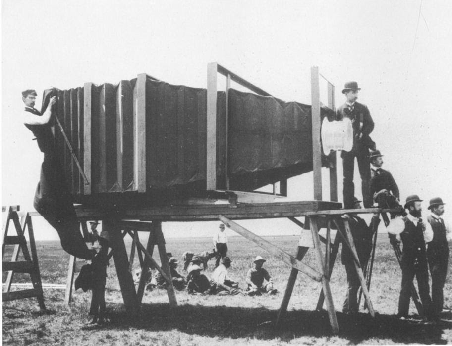 The Mammoth Camera of George R. Lawrence Image