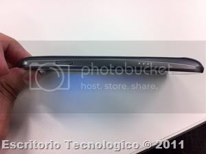 Samsung Galaxy Nexus GT-I9250 (4) - Vista lateral derecha
