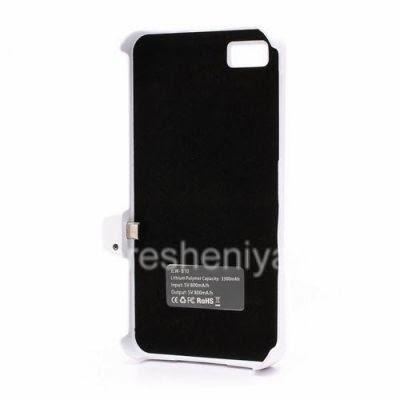 Чехол-аккумулятор для BlackBerry Z10, Белый Матовый: Внутреннюю поверхность чехла-аккумулятора для Z10 выстилает мягкая ворсистая ткань.